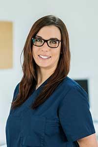 Anne Moringen, vom Azubi zur AZP (Assistentin für zahnärztliches Praxismanagement)